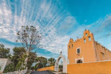 Kirche von Tipikal bei Maní