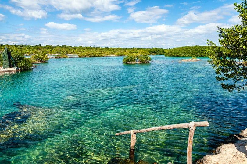Die kristallklare Laguna Yal-ku liegt nur wenige Kilometer nördlich von Tulum an der Riviera Maya