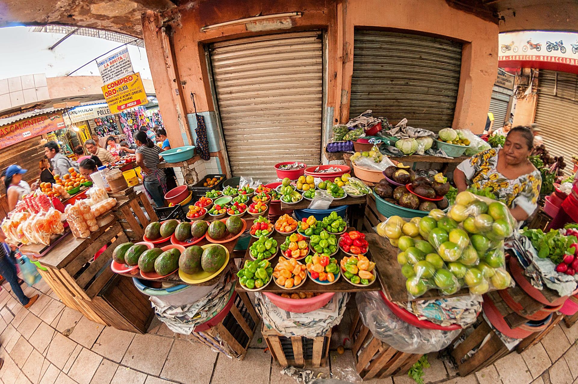 Habaneros und Früchte auf dem Markt von Mérida